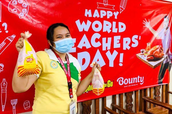 Chooks-to-Go, BAVI Distribute Teachers' Day Gifts